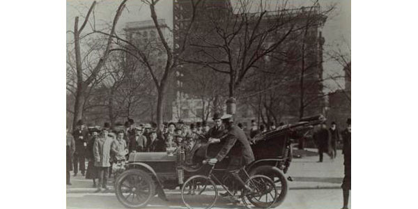 5th Ave at 23rd St in 1909 NYPL